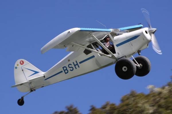 Good shot of Eddie's door mod in flight